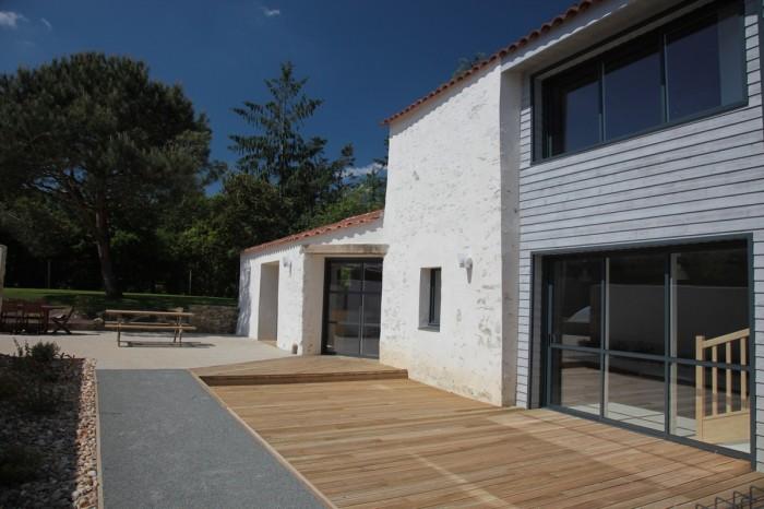 exterieur-gite-terrasse-bois-IMG_1703